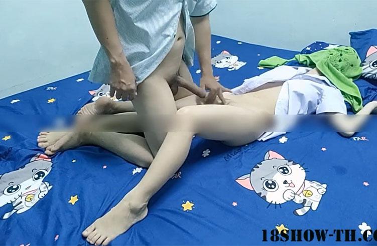 พนักงานสาวเซเว่นเล่นเสียวก่อนไปทำงาน