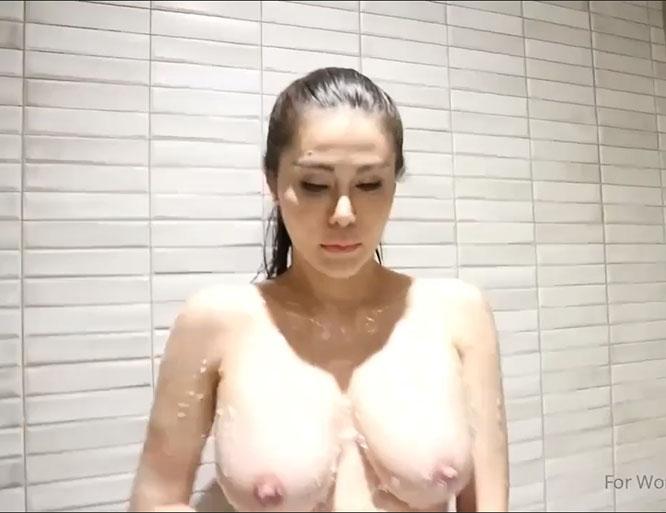 เจ๊หนิงอาบน้ำ ใหญ่บะลักกั๊ก