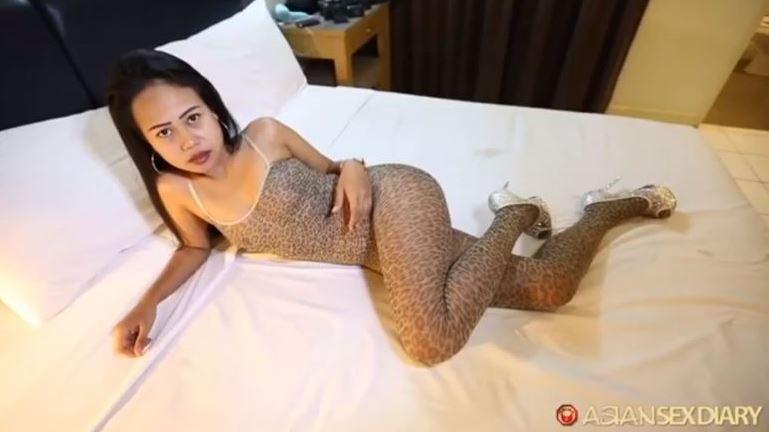 Golf 23yo Phuket Bargirl [TH]